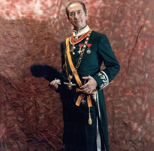 Hé lộ toàn bộ nội dung trong quyển sổ lưu niệm của Vua sòng bài Macau được gửi cho những người đến viếng tang lễ - Ảnh 2.