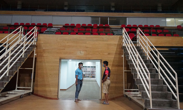 Mục sở thị cung thể thao gần 100.000m2 biến thành bệnh viện dã chiến ở Đà Nẵng - Ảnh 14.