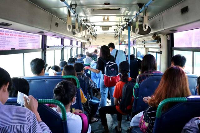 Nữ bệnh nhân COVID-19 ở Hội An từng đi xe buýt 2 lần/ngày đến bệnh viện - Ảnh 3.