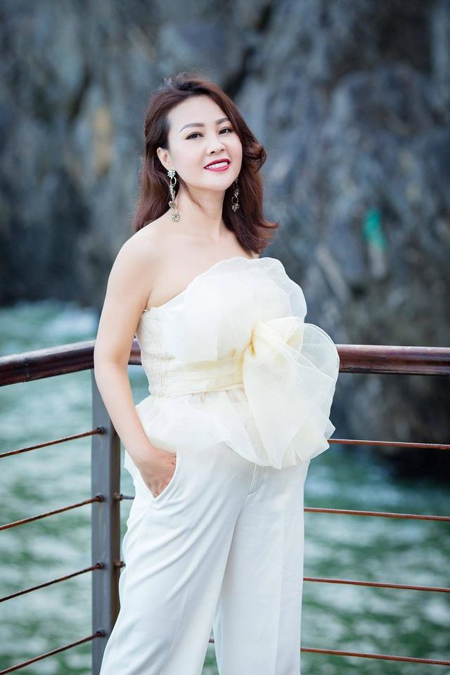 Điều ít biết về vợ xinh đẹp của NSƯT Đăng Dương - Ảnh 7.