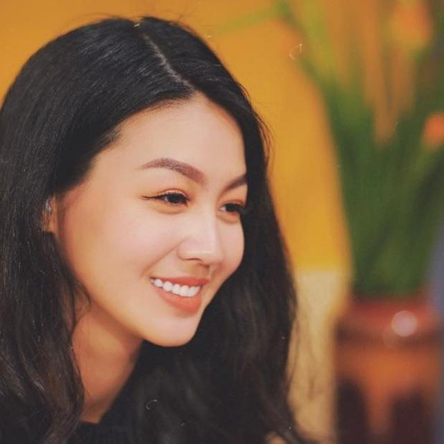 Vẻ xinh đẹp của MC Hồng Nhung Cà phê sáng - Ảnh 10.