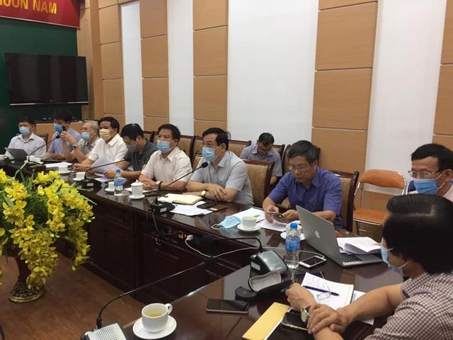 Bệnh nhân 812 ở Hà Nội diễn biến tăng nặng nhanh, phải thở máy - Ảnh 3.