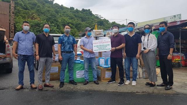 Tặng 15.000 khẩu trang kháng khuẩn cho phóng viên tác nghiệp trong dịch COVID-19 tại Đà Nẵng - Ảnh 3.