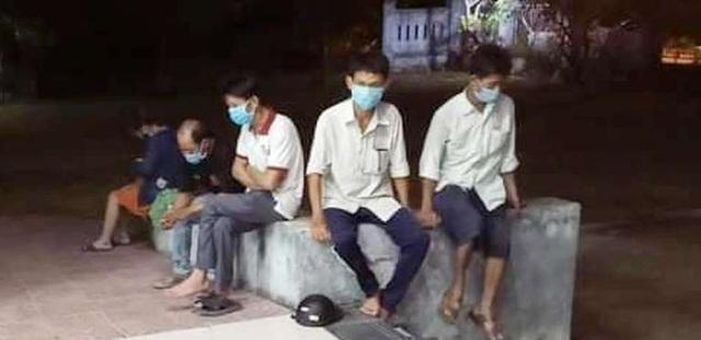 Quảng Trị: Cách ly 6 người trốn trên xe ô tô từ Đà Nẵng về lúc nửa đêm - Ảnh 1.