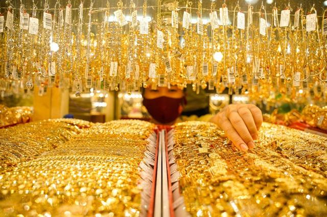 Giá vàng sẽ vượt 2.000 USD vào tuần tới? - Ảnh 1.