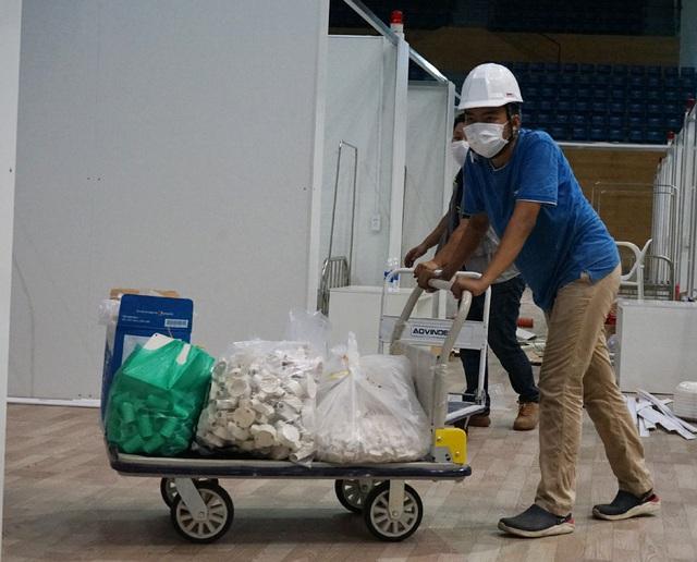 Hình ảnh bệnh viện dã chiến tại Đà Nẵng cơ bản hoàn thành sau 72h thi công thần tốc - Ảnh 16.