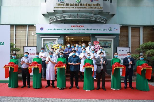 Trung tâm khám chữa bệnh từ xa của Bệnh viện Việt Đức hoạt động như thế nào? - Ảnh 1.