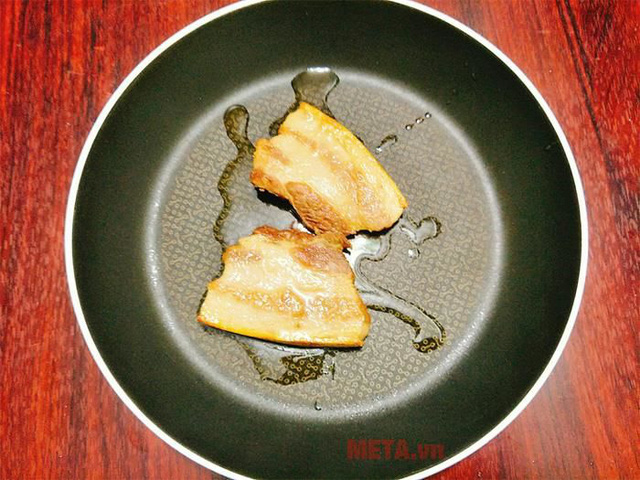 Thịt ba chỉ kho mãi cũng nhàm, cho thứ quả quen này vào thành món ăn lạ miệng, ngon xuất sắc - Ảnh 3.