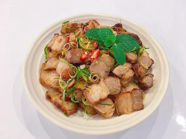 Thịt ba chỉ kho mãi cũng nhàm, cho thứ quả quen này vào thành món ăn lạ miệng, ngon xuất sắc - Ảnh 4.