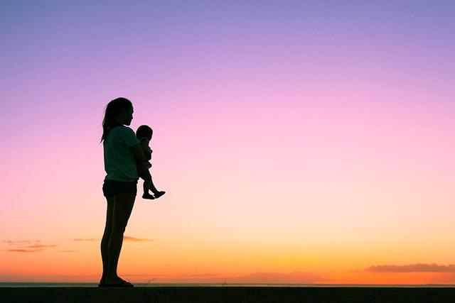 Những lầm tưởng về mẹ đơn thân - Ảnh 1.
