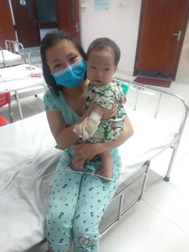 Xót xa bé 11 tháng tuổi thân hình yếu ớt cần tiền phẫu thuật tim gấp - Ảnh 4.
