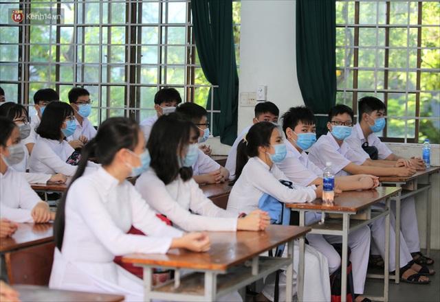 """Ngày đầu học sinh Đà Nẵng đi học lại sau giãn cách xã hội theo phương châm """"5K"""" - Ảnh 22."""