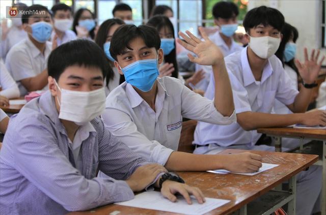 """Ngày đầu học sinh Đà Nẵng đi học lại sau giãn cách xã hội theo phương châm """"5K"""" - Ảnh 23."""