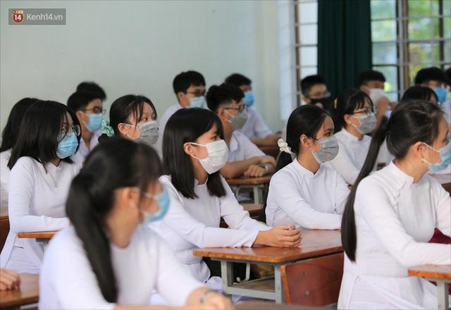 """Ngày đầu học sinh Đà Nẵng đi học lại sau giãn cách xã hội theo phương châm """"5K"""" - Ảnh 24."""