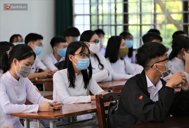 """Ngày đầu học sinh Đà Nẵng đi học lại sau giãn cách xã hội theo phương châm """"5K"""" - Ảnh 25."""