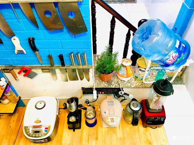 Căn bếp vỏn vẹn chỉ 5m² được ông bố Sài Gòn cải tạo tiện dụng cho việc nấu nướng hàng ngày có chi phí hơn 2 triệu đồng - Ảnh 12.