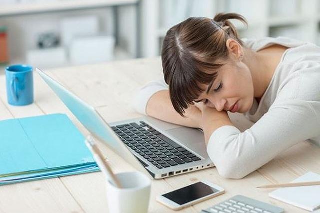 Hai kiểu ngủ trưa chẳng khác nào tự sát bạn nên từ bỏ ngay và luôn - Ảnh 1.