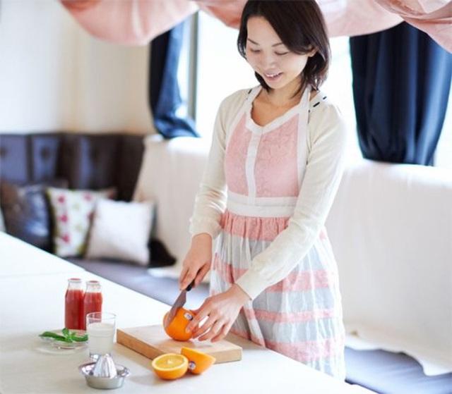 Không cần tốn tiền mua thuốc bổ, bác sĩ Nhật tiết lộ 3 thứ hữu hiệu hơn giúp phụ nữ có dáng đẹp và sức khỏe dồi dào như gái đôi mươi - Ảnh 3.