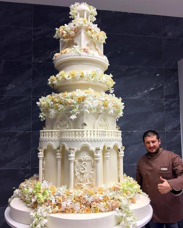 4 năm sau đám cưới xa hoa với chiếc váy 14 tỷ đồng, bánh cưới cao hơn 3m, cuộc sống của tiểu thư giàu có bậc nhất nước Nga ra sao? - Ảnh 5.