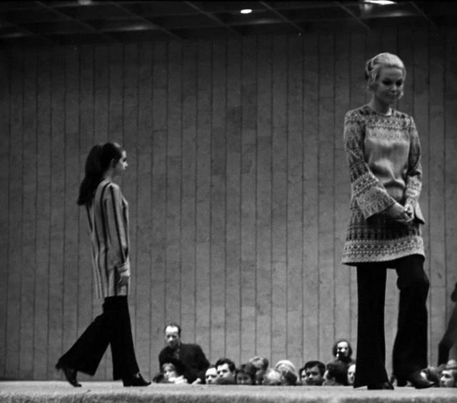 Thời trang ngắm hoài không chán của phái đẹp Liên Xô - Ảnh 7.
