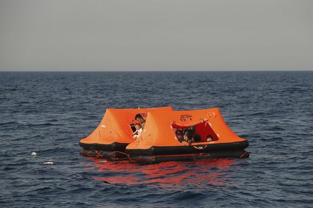 Hàng loạt người di cư bị Hy Lạp gửi trả về đại dương - Ảnh 3.