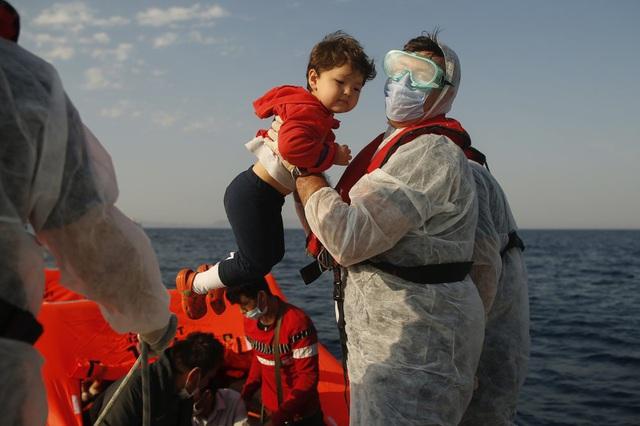 Hàng loạt người di cư bị Hy Lạp gửi trả về đại dương - Ảnh 5.