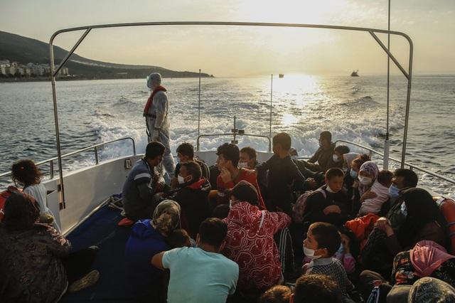 Hàng loạt người di cư bị Hy Lạp gửi trả về đại dương - Ảnh 6.