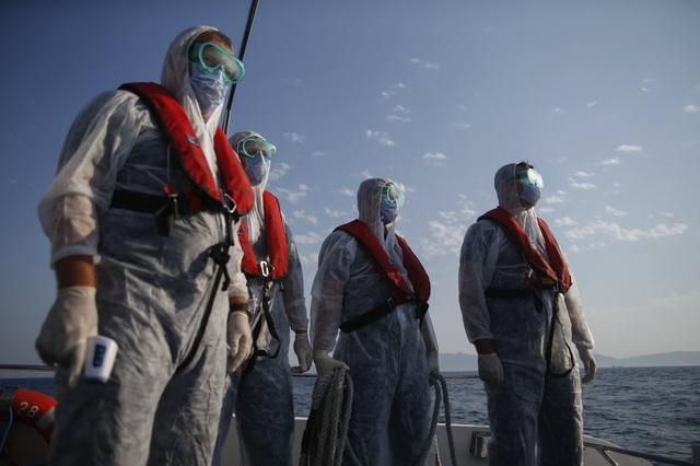 Hàng loạt người di cư bị Hy Lạp gửi trả về đại dương - Ảnh 7.