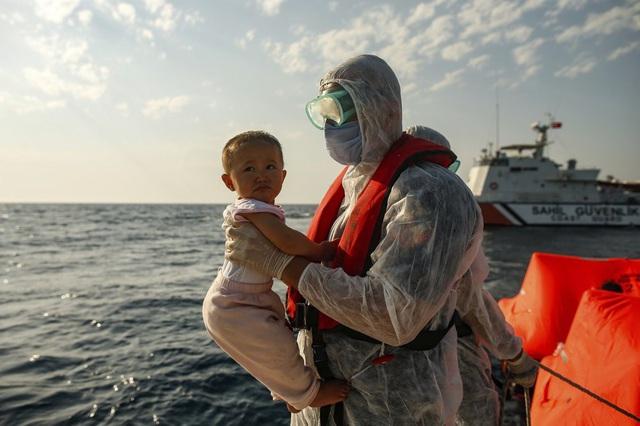 Hàng loạt người di cư bị Hy Lạp gửi trả về đại dương - Ảnh 10.