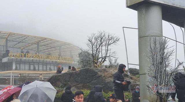 صدها نفر برای تماشای نوار هجوم می آورند ، O Quy Ho Pass برای 2 روز متوالی - عکس 2.
