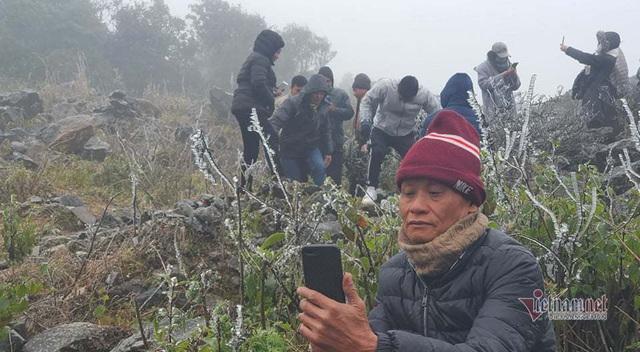 صدها نفر برای تماشای نوار هجوم می آورند ، O Quy Ho Pass برای 2 روز متوالی - عکس 7.