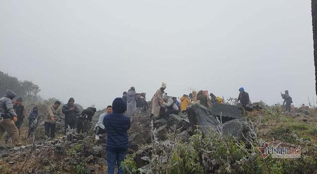 صدها نفر برای تماشای نوار هجوم می آورند ، O Quy Ho Pass برای 2 روز متوالی - عکس 8.
