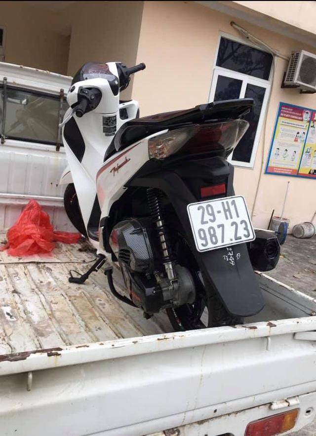 هانوی: یک اتومبیل تازه دزدیده شده SH بلافاصله با پلیس گشت روبرو شد - عکس 1.