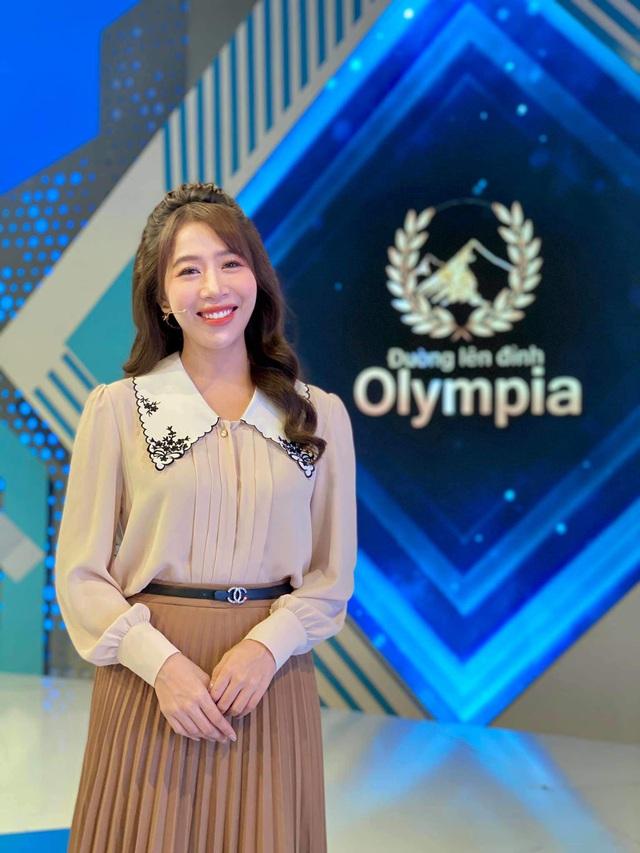 MC Diep Chi عادت خود را در پوشیدن برای سالهای طولانی آشکار کرد: جامعه آنلاین بلافاصله از Song Hye Kyo تعریف کرد - تصویر 11.