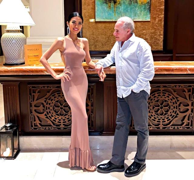 Cuộc tình xa hoa của cô gái Việt tuổi 26 và đại gia Mỹ 72 tuổi - Ảnh 1.