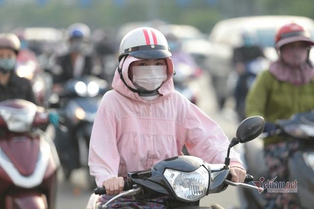 Người Sài Gòn co ro trong tiết trời lạnh 19 độ - Ảnh 12.