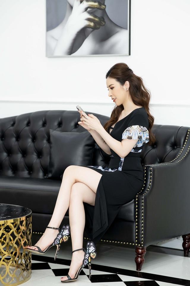 """Hoa hậu Hoàng Dung tiết lộ cách """"mix"""" đồ hiệu - Ảnh 3."""
