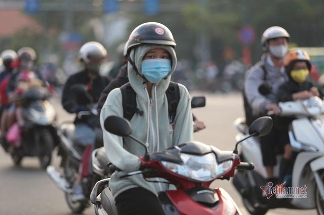 Người Sài Gòn co ro trong tiết trời lạnh 19 độ - Ảnh 9.