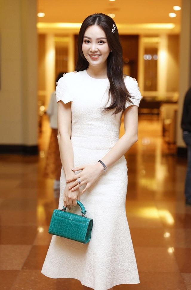 ارتش اپل مراسم عروسی هنرمند مردم Cong Ly - Ngoc Ha - تصویر 13 را برگزار کرد.
