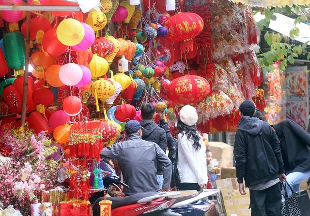 تازه با ورود به سال جدید 2021 ، مردم منتظر خرید لوازم تزئینی کریسمس ماه هستند - عکس 14.
