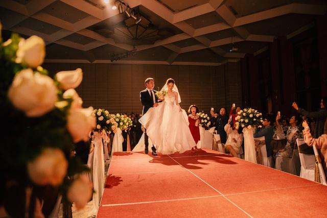 ارتش اپل عروسی هنرمند مردم Cong Ly - Ngoc Ha - تصویر 2 را انجام داد.