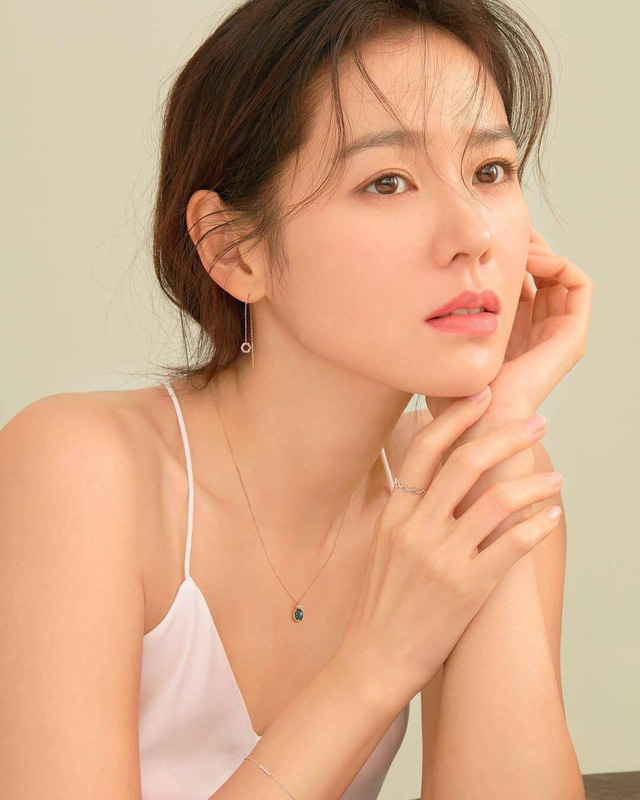 Son Ye Jin - دوست دختر هیون بن تمام تجارت نمایش کره ای را دارد - عکس 2.