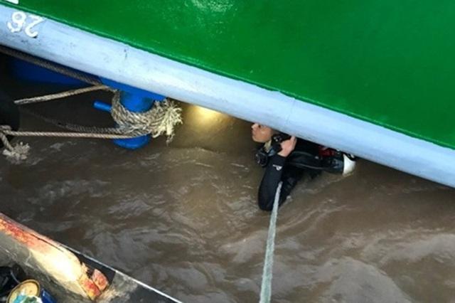 ضربه زدن به کشتی غرق شدن و نجات سرباز 9X - عکس 3.