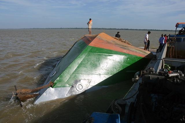 ضربه زدن به کشتی غرق شدن و نجات سرباز 9X - تصویر 4.