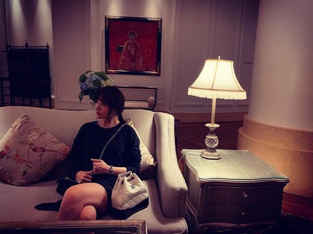 """Choáng với căn phòng ngập nước hoa """"xa xỉ"""" của MC Trấn Thành - Hari Won - Ảnh 7."""