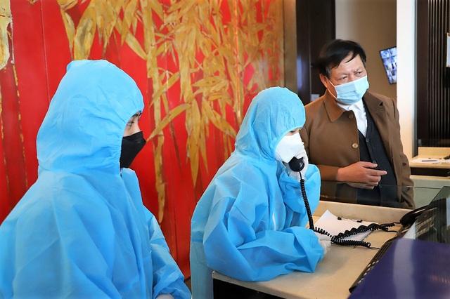 Thứ trưởng Bộ Y tế kiểm tra công tác phòng chống dịch COVID-19 tại Quảng Ninh - Ảnh 2.