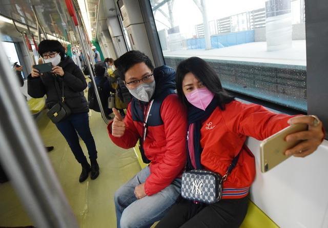 ساکنان پایتخت وقتی اولین ایستگاه راه آهن Nhon را لمس کردند - ایستگاه هانوی - عکس 10 هیجان زده شدند.