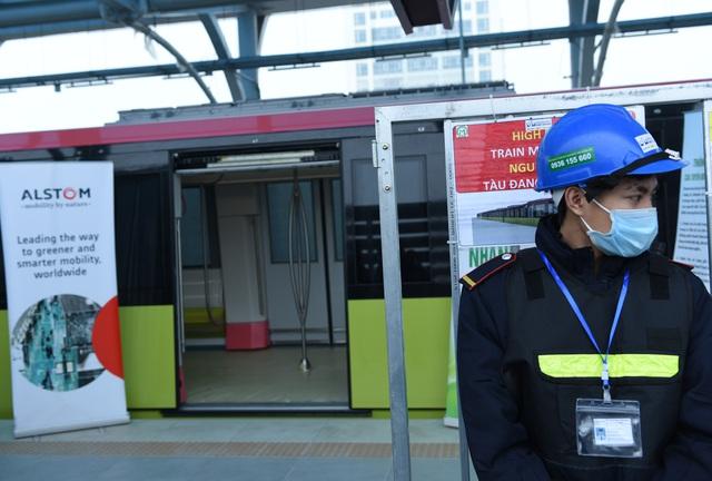 ساکنان پایتخت وقتی اولین ایستگاه راه آهن Nhon را لمس کردند - ایستگاه هانوی - عکس 7 هیجان زده شدند.