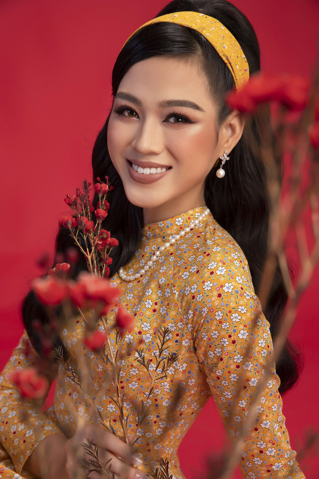 """""""Học lỏm"""" cách """"biến hình"""" thành giai nhân xưa của top 3 Hoa Hậu Việt Nam 2020 - Ảnh 3."""