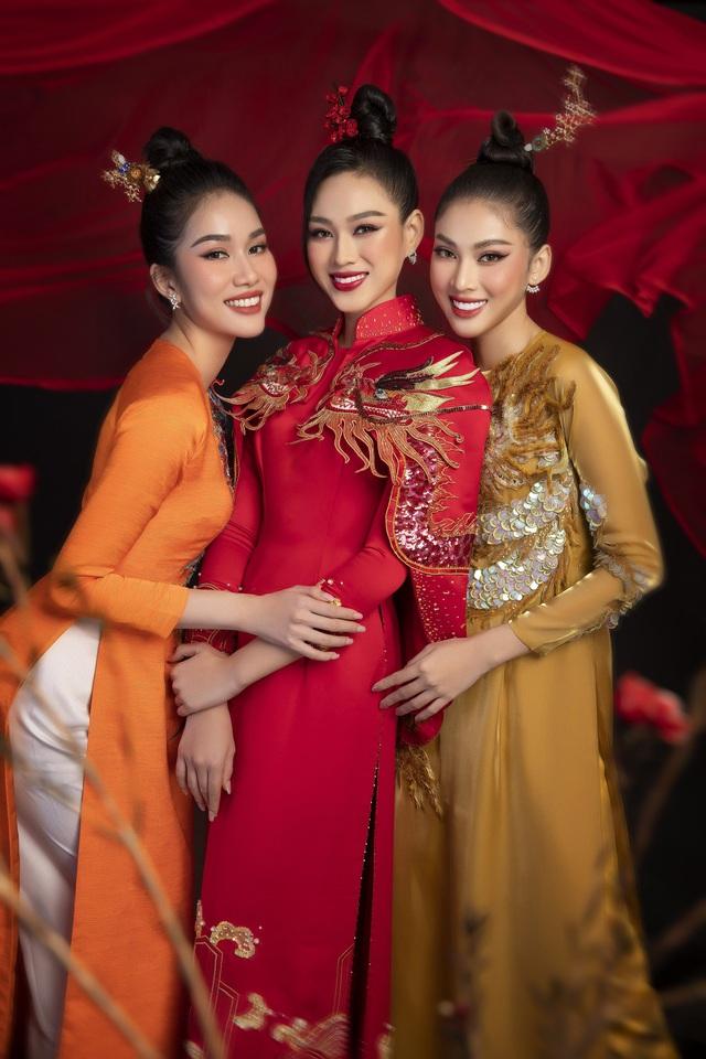 """""""Học lỏm"""" cách """"biến hình"""" thành giai nhân xưa của top 3 Hoa Hậu Việt Nam 2020 - Ảnh 7."""